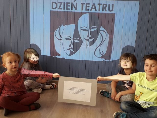 Serdeczna karteczka – Dzień Teatru