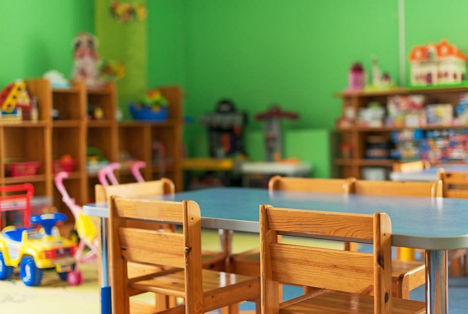 Uwaga! Uaktualnienie w związku z zawieszeniem zajęć w przedszkolu dotyczące dzieci, którym na wniosek rodzica należy zapewnić opiekę.